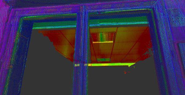 Nuage de point vu depuis la position intérieure du scanner 3D : le reflet du faux plafond est visible sur la vitre...