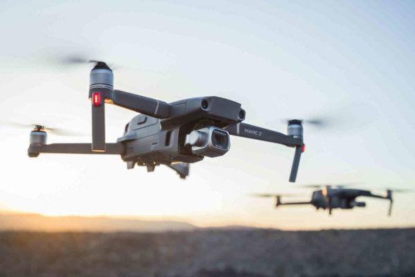 Un drone civil DJI Mavic 2